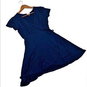 ☕️5/$25 Rolla Coster Blue Wrap dress size medium